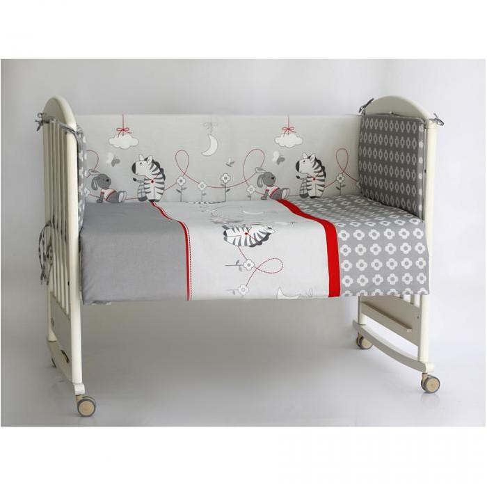 Бампер для кроватки Pituso ЗебрыЗебрыБампер для кроватки Pituso Зебры не только придаст кроватке дополнительный уют, но и защитит Вашего малыша от сквозняков.  Материалы и краски постельного белья отвечают всем экологическим нормам и абсолютно безвредны для здоровья ребенка.  Особенности: Бортик в стандартную кроватку 120х60, четыре части Сьемный чехол (застежка молния)<br>