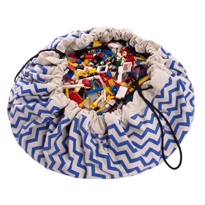 Play&amp;Go 2 в 1: мешок для хранения игрушек и игровой коврик зигзаг2 в 1: мешок для хранения игрушек и игровой коврик зигзагPlay&Go 2 в 1: мешок для хранения игрушек и игровой коврик Коллекция Print зигзаг – настоящая мечта каждого малыша. Хранение игрушек в вашем доме - настоящая проблема? Откройте для себя мешки Play&Go!  Это простой и эффективный способ хранения игрушек. Кроме того, это необычайно весело! Два в одном: мешок для хранения игрушек – это ещё и игровой коврик – настоящая мечта каждого малыша. Даже хранение деталей конструктора перестанет быть проблемой, а также хранение кукол, машинок, мячиков, кубиков – все это легко собирается одним движением.   Диаметр: 140 см Уход: стирка при температуре 30°C Материал: 70% хлопок, 30% полиэстер.<br>