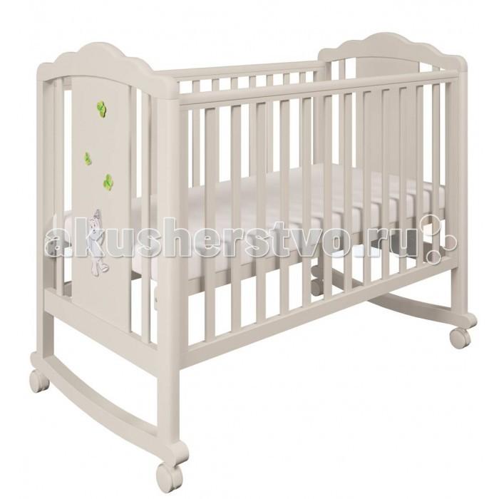 Детская кроватка Polini Classic 621 ЗайкиClassic 621 ЗайкиДетская кроватка Polini Classic 621 Зайки  предназначена для новорожденных детей и используется до 3 лет. Кроватка для новорожденного 621 изготовлена в соответствии с европейскими нормами EN 716-2:2008+А1:2013.   Изготовлена на современном оборудовании из натурального экологически чистого массива березы, что обеспечивает прочность и долговечность. Высокое качество отделки. Для окраски применяются лаки, не содержащие вредных для здоровья ребенка веществ. Украшает кроватку декоративная накладка спинки.  Особенности: Материал: древесина березы Основание ортопедическое, регулируется по высоте Реечные панели по бокам не препятствуют естественной вентиляции Размер спального места стандартный 120х60, что позволяет легко подбирать постельное белье и матрасы для ребенка Для качания предусмотрены специальные полозья Защитные накладки ПВХ Для удобства перемещения есть четыре колесика с фиксаторами На спинке кроватки очаровательная накладка - зайчик<br>