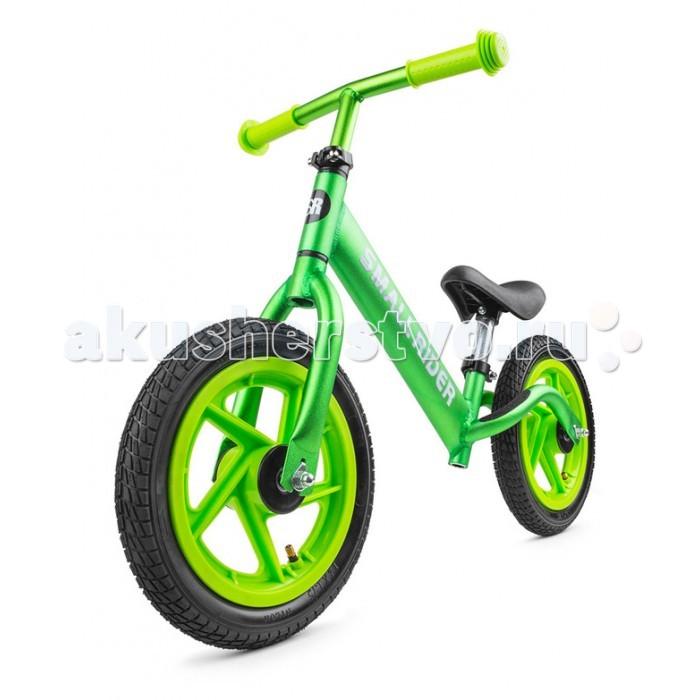 """Беговел Small Rider Foot Racer Air надувные колесаFoot Racer Air надувные колесаSmall Rider Foot Racer с надувными колесами с цветными дисками - это многофункциональный, элитный и невероятно легкий беговел, ведь он выполнен из настоящего алюминия (а не сплава """"аллой"""", который почти такой же тяжелый как и сталь) с невероятно красивой покраской под металлик и другими полезными функциями.  Регулируемое сиденье и руль. Сиденье регулируется по высоте без ключа с помощью зажима квик релиз. Для этого не нужен специальный инструмент. Руль теперь также регулируется без помощи инструмента!  Элитный вид. Блестящая яркая покраска под металлик также сразу выделяет беговел из массы других. Яркие зеленый и золотистый цвет переливаются на солнце и создают сходство с мотоциклом.  Эффектные колеса. Надувные колеса 12' радиуса идеально подходят для детей для катания на беговеле. Они амортизируют и плавно катятся. Красивый дизайн со спицами добавляет элегантности.<br>"""
