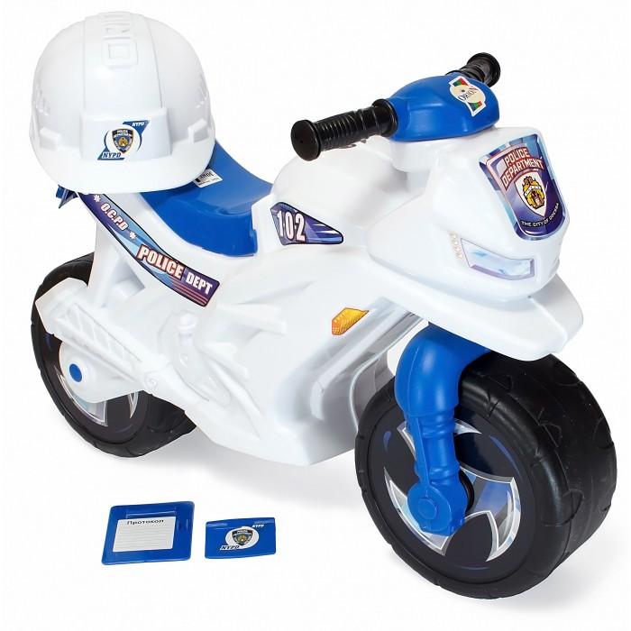 Каталка R-Toys Racer RZ 1 ПолицияRacer RZ 1 ПолицияКаталка R-Toys Racer RZ 1 Полиция на 2 широких устойчивых колесах со шлемом, жетоном и протоколом.   Особенности: Самое главное в этом беговеле- эргономика форм и размеров. Беговел идеально подойдет детям от 18 месяцев. Они будут пользоваться ею и получать удовольствие от удобства.  Если малыш никогда не катался на подобном транспорте, каталку Racer RZ 1 он освоит очень быстро. Он почувствует как удобно и легко управлять этим беговелом, оценит устойчивость мотоцикла, а дизайн покорит его в первого взгляда, потому что эта каталка выполнена в стиле скоростного мотобайка. Сиденье выполнено таким образом, что имеет удобную спинку.  Эргономика сиденья - 10 баллов.  Каталка очень прочная и надежная.  Польза беговела для детей от 18 месяцев неоценима. Это первый транспорт, заменяющий 3-х колесный и 2-х колесный велосипед с боковыми поддерживающими колесами.  Беговел - незаменимый помощник в развитии малыша. Ребенок развивается физически и укрепляет здоровье, он может ехать в дальние поездки и не уставать, преодолевать препятствия и не бояться упасть.  Очень устойчивые, широкие и проходимые колеса легко справятся с любым покрытием дорог. Дождь, вода и грязь будут быстро и легко скатываться по боковым канавкам колес и колеса всегда будут оставаться сухими. А широкий корпус с крыльями защитит от грязи и брызг.  Выполнен по самым современным технологиям и соответствует всем высочайшим стандартам качества и безопасности.  Беговел очень устойчивый — никогда не перевернется. А столкновения с преградами малышу не страшны- он как в настоящем мотобайке защищен от ударов продуманной формой корпуса.  Яркие наклейки дополняют образ скоростного мотобайка.  Очень удобные ручки на руле с уплотненными и расширенными окончаниями рукояток.  Если малыш упадет на бок, то рука будет в безопасности - удар придется на окончание рукоятки руля.   Высота от пола до руля 47 см, высота сиденья минимальная 40 см. Максимальная нагрузка - 30 кг.  Размеры