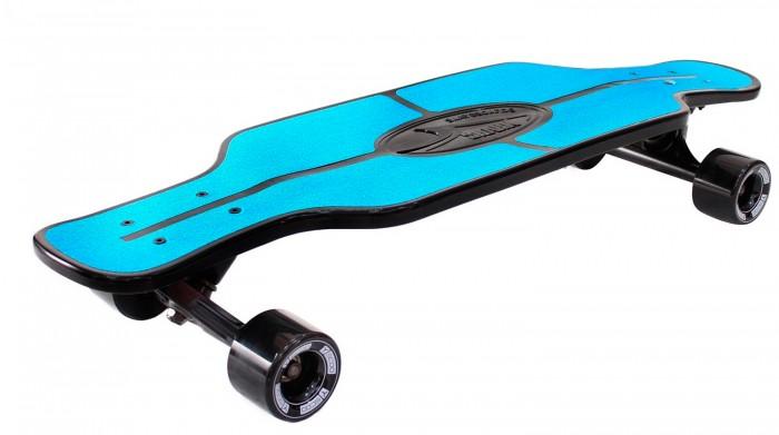 R-Toys Скейтборд Longboard Shark TIR 31Скейтборд Longboard Shark TIR 31Y-Scoo Скейтборд Longboard Shark TIR 31 с сумкой - уникальное средство передвижения по городу и отличный способ заявить о себе в скейтпарке.  Особенности: Необыкновенная форма деки напоминает мишень в тире. Именно поэтому она называется TIR.  Этот необычный лонгборд имеет 2 вида антискользящей поверхности: наждачная бумага и рифленая поверхность пластиковой деки. Это обеспечивает повышенное сцепление с поверхностью деки и безопасность во время катания на скейтборде. Такое покрытие не даст ногам райдера соскальзывать во время катания. Лонгбординг не только захватывающий вид спорта, способный подарить непередаваемые ощущения, но и довольно экстремальное и травматическое увлечение.  Этот круизер отличается особой устойчивостью и стабильностью при развитии высоких скоростей, а высокое качество позволит Вам избежать непредвиденных поломок и, соответственно, лишних царапин и ушибов.  Сочетает в себе компактность, комфорт, отличную управляемость и является отличным способом времяпровождения для людей всех возрастов.  Такая доска универсальна и подойдет для любого стиля катания. Чем глубже конкейв, тем лучше чувствуется доска во время трюков, легче закручивается и легче приземляться. Чем короче хвост (или нос) и чем больше у него угол подъёма, тем выше получается ollie, чем длиннее, тем легче делать nose и tailslide.  Длина деки: 79 см, ширина: 22 см.  Высокопрочная подвеска из алюминиевого сплава покрытая высокотехнологичной краской - 15 см.  Амортизаторы жесткостью 82А.  Подшипник ABEC 7 Chrome.  Никелированные болты.  Колёса полиуретановые: PU - Super High Rebound колеса 65х47 мм, жесткость 82А. Очень важно в колесах: чем больше жесткость, тем больше скорость. Монтажные болты, покрытые специальной краской, гайки с супермягкими прокладками 90А.  Небольшой вес скейтборда делают его маневренным и легким в транспортировке. Его можно брать с собой повсюду.  Максимальная нагрузка 150 кг.  В комплекте- черна
