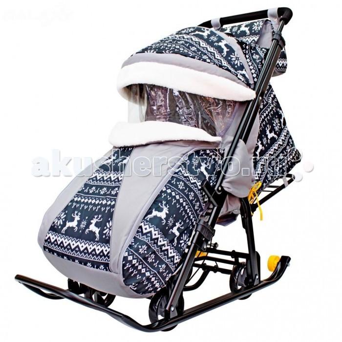 Санки-коляска R-Toys Snow Galaxy LuxeSnow Galaxy LuxeСкладные санки-коляска Snow Galaxy Luxe с 4 прорезиненными колесами и очень надежным педальным механизмом.   Для наилучшего передвижения по асфальтированной поверхности на санках-колясках предусмотрены сверхпроходимые прорезиненные колеса на педальном механизме. Достаточно нажать на него ногой и переставить санки на колеса.  Эксклюзивная покраска рамы черной матовой краской пр-во Германия, которая блокирует ржавчину и коррозию металла в течении срока использования. Созданная по самым современным технологиям, эта покраска выглядит очень эффектно.  Перекидная ручка-толкатель: ребенок может находиться в 2-х положениях: лицом к дороге и лицом к маме.  Полностью раскрывающаяся, съемная утепленная попона с боковыми защитными ветровиками закрывает ребенка от ветра.  Чехол - с 2 молниями по бокам для удобного открывания с обеих сторон. Вы сможете вытащить ребенка с любой стороны, открыв одну из двух молний.  Большой капюшон как у настоящей коляски. Высокий складной 3-секционный капюшон с увеличенной высотой по спинке позволяет чувствовать себя комфортно малышу в шапке с помпоном. На капюшоне есть смотровое окно для наблюдения за ребенком из гибкого силикона - не лопнет на морозе и не деформируется при перепаде температур.  Завышенная спинка для большего пространства над головой малыша. Спинка опускается до горизонтального положения с помощью необычного крепления - рычага сзади спинки - очень надежная и прочная система.  3 положения спинки: сидячее, полугоризонтальное, горизонтальное.  Широкое посадочное место 41 см.  Сиденье обтянуто искусственной замшей - Алькантара. Износостойкая, бархатистая ткань, приятная на ощупь, которую часто применяют в автомобильном тюнинге.  Подножка для ног с регулируемым углом наклона, включая горизонтальное, позволяющее ребенку в положении лежа комфортно вытягивать ножки.  Водоотталкивающая непродуваемая ткань Оксфорд с тефлоновой пропиткой- противогрязевая защита. Легко моется и стирается. 