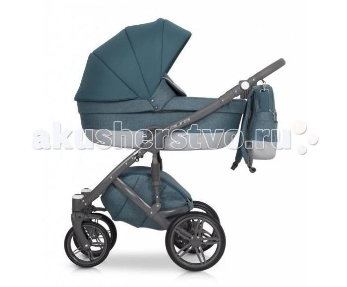 Коляска Рант Aura 2 в 1Aura 2 в 1Коляска Рант Aura 2 в 1 для новорожденного малыша.   Она едет по любой дороге, отлично справляется с препятствиями, проезжает по узким дорожкам парка. Люлька глубокая, ее можно использовать в качестве переносной колыбельки. Полная комплектация позволяет эксплуатировать коляску в холодное и теплое время года.  Особенности:  Шасси: высокая рама 4 надувных колеса с подшипниками передние колеса плавающие задние колеса по диаметру больше, чем передние на задних колесах расположены пружинные регулируемые амортизаторы дополнительная амортизация на раме тормоз центральный, ножного типа ручка регулируется по высоте внизу расположена корзина для покупок Люлька: пластиковый каркас высокие бортики регулируемый подголовник большой складной капор с интегрированной ручкой для переноски одна секция со встроенной москитной сеткой комплектация матрасиком  внутренняя обивка сделана из хлопка, снимается для стирки в комплект входит чехол на ножки с высоким ветровиком Прогулочный блок устанавливается в обоих направлениях 4 положения наклона спинки, в том числе горизонтальное комплектация вкладышем наличие пятиточечных ремней с накладками и бампера для безопасности ребенка регулируемая подножка большой складной капор Комплектация: шасси люлька прогулочный блок москитная сетка дождевик сумка корзина для покупок подстаканник чехлы на ножки для обоих блоков<br>