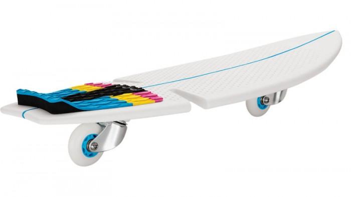 Razor Роллерсёрф RipSurfРоллерсёрф RipSurfЗапатентованный дизайн рипсёрфа позволяет райдерам кататься по жёсткому покрытию скейт-парка или дорожке в городском парке, как во волнам, прям как настоящий сёрфер!   Стиль рипстика RipSurf остался неизменен - те же два колеса, которые расположены под острым углом к земле; да и жёсткая платформа для ног, дека, выполненная из высококачественного полипропилена, он очень крепкий, и хорошо гнётся. В качестве усиления сделаны специальные рёбра жёсткости. Сёрфи там, где ты живёшь!  Особенности: От 7 лет Подходит под рост от 100 до 200 см. Вес рипсёрфа 2.38 кг. Максимальная нагрузка 100 кг. Запатентованные технологии RipStik (технология кручения полипропиленовой основы) Легкий цельный армированный полимер промышленного класса Текстурированная поверхность под заднюю ногу, для лучшей устойчивости Наклонные уретановые колёса, вращающиеся на 360 градусов Сборка не требуется Поставляется в красивой подарочной упаковке<br>