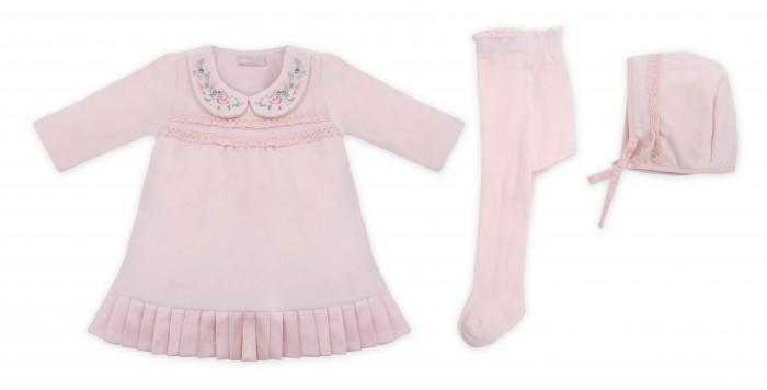 RBC Комплект для девочки 465334Комплекты детской одежды<br>RBC Комплект для девочки 465334  Комплект для девочки нежного цвета состоит из трех вещей:  1 Нарядное платье с длинным рукавом и расклешенной юбкой. Горловина декорирована вышитой аппликацией. 2 Чепчик на плотных завязочках, край чепчика с загибом. 3 Колготки.  Идеальный вариант для торжественной выписки или для подарка на рождение малышки. Представлен в кремовом и розовом оттенке. Рассчитан для детей с первых дней жизни. Упакован в подарочную коробку.  Ткань: 80 % хлопок и 20% полиэстер Уход: Ручная стирка при температуре до 30 гр.  RBC — новый бренд модной и удобной детской одежды. Команда RBC, это не только прекрасные специалисты и профессионалы своего дела, но и любящие и заботливые родители, поэтому они, как никто, знают что действительно нужно ребенку.