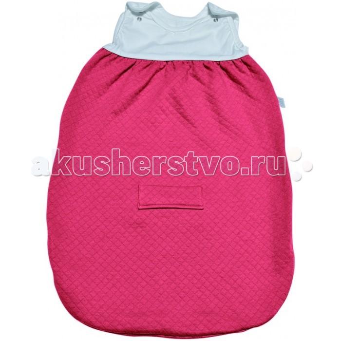 Спальный конверт Red Castle Sleeping Bag Tog2 0-6 мес.Sleeping Bag Tog2 0-6 мес.Спальные мешки Red Castle необычайно популярны у родителей, которые попробовали использовать их для сна малыша!  Благодаря специальной форме без рукавов, они защитят малыша от перегрева и обеспечат идеальную циркуляцию воздуха и теплообмен во время сна (очень важно, чтобы повышенная температура могла бы выходить через вырезы).   Созданная в Великобритании система, учитывающая влияние внешней температуры на терморегуляцию, была адаптирована для спальных мешков, с использованием TOG. Чем больше TOG, тем больше удерживается тепло. Спальные мешки RED CASTLE доступны в 3-х обозначениях TOG : TOG 0.5 – легкий хлопок, муслин, TOG 2 – слегка стеганный хлопок, TOG 3 – нежный флис. С помощью приведенной таблицы вы можете подобрать наиболее подходящий спальный мешок для вашего малыша.  Предупреждение: не подбирайте спальный мешок, учитывая температуру на улице. Всегда учитывайте температуру комнаты, в которой спит ребенок и одежду, которую вы оденете под спальный мешок.  Особенности: Два уровня регулировки длины с помощью кнопок на плечах у моделей 55, 65 и 75 см для лучшей адаптации под размеры ребенка. Длинная молния облегчает процесс пеленания. Отсутствие рукавов обеспечивает циркуляцию воздуха и предотвращает перегрев. Теплый воздух может свободно циркулировать, при перегреве, выходить наружу через вырезы для рук. Размеры: 0-6 месяцев Материал: TOG 2: Стеганый хлопок Уход: Машинная стирка.<br>