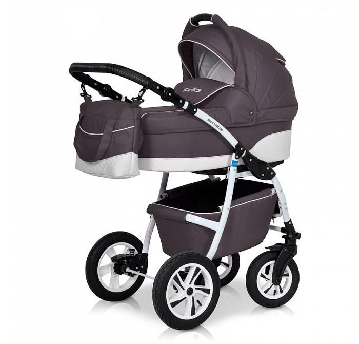 Коляска Рант Sonata 3 в 1Sonata 3 в 1Коляска Рант Sonata 3 в 1 предназначена для детей с рождения и до 3-х лет. Многофункциональная транспортная система, обеспечивающая комфорт и безопасность на прогулках с Вашим ребенком.  Детская универсальная коляска изготовлена с использованием высококачественных легких дышащих текстильных материалов, имеет небольшой вес и отличную маневренность на дороге.  В комплект коляски входит автокресло 0+, спальная люлька для новорожденного и прогулочный блок для подросшего малыша, которые можно устанавливать по ходу движения или против хода движения. Люлька коляски комфортная и удобная, сделана внутри из 100 % хлопка. Дно люльки – жесткое, это очень важно для правильного формирования позвоночника новорожденного малыша.  Люлька: Непромокаемая тканевая люлька с элементами выполненными из перфорированной Эко кожи и жестким дном; Регулируемый по высоте подголовник; Вентилируемое смотровое окошко в капюшоне; Удобная ручка для переноски, расположенная на капюшоне; Регулируемый капюшон; Внутренняя вкладка выполнена из 100% хлопка, легко снимается для стирки; Возможность установки люльки в 2 положениях (лицом к маме, или лицом по направлению движения коляски). Размеры внутренние люльки: длина 76 см. ширина 37 см. высота 22 см. Вес: 4,73 кг.  Прогулочный блок: 3 положения регулировки спинки, в том числе до горизонтального; Регулируемая подножка; Регулируемый капюшон; Съемный бампер; Возможность установки прогулочного блока в 2 положениях (лицом к маме, или лицом по направлению движения коляски). Размеры прогулочного блока: ширина 36 см. длина 84 см. Вес: 4,3 кг.  Автокресло: Подходит детям с рождения до 13 кг Категория 0+ Фиксируется на раму через переходник, переходник в комплекте Отвечает всем стандартам безопасности Ребенок фиксируется в кресле трехточечным ремнем Кресло в автомобиле фиксируется против хода движения, штатным ремнем.  Шасси: Удобный и простой механизм складывания коляски Легкий и простой механизм снятия и установки съемных мод