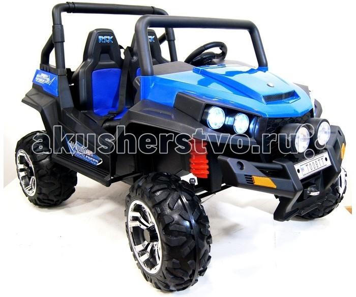 Электромобиль RiverToys Buggy T009TTBuggy T009TTЭлектромобиль RiverToys Buggy T009TT - это необыкновенный огромный двухместный электромобиль с полным приводом на резиновых колесах EVA. Агрессивный вид багги не оставит равнодушным юных экстремалов!  Это двухместный электромобиль, рассчитанный на двух детей, с высоким дорожным просветом (27 см) на колесах из EVA-резины, с мощным анти-пробуксовочным протектором ( ширина шины 19 см). Он имеет четыре усиленных редуктора, что переводит его в раздел полноприводных авто. Из расчета на езду по бездорожью, длительную поездку и на два посадочных места - он укомплектован двумя аккумуляторами по 12V- это делает поездку увлекательней не только одному, но и двоим детишкам. Аккумуляторы легко сменить на запасные за счет открывающегося капота. Это придает правдоподобность настоящего авто. Для страховки на сиденье имеется 2 отдельных ремня безопасности. Несмотря на самостоятельное управление авто ребенком, к нему также предусмотрен индивидуальный пульт управления, что дает возможность контролировать поездку взрослыми. Сиденье имеет перфорированную вставку из дышащей ЭКО-кожи.  Как в оригинальных внедорожниках, в нем очень грамотно создана панель приборов- ничего лишнего, все просто и понятно. Имеется автоматическая коробка передач, удобная панель для переключения кнопками с уровнем заряда батареи и справа имеется ручка-держатель для пассажира. За сиденьем имеется большое багажное отделение для перевозки нужного снаряжения или емкости с водой- для этого в багажнике имеется два отделения для бутылок из расчета на двоих пассажиров. Световые и звуковые эффекты также соответствуют его статусу вездеход - яркие передние и боковые диодные фары в количестве 6-ти штук, громкий звук сигнала на руле и музыкальное сопровождение, чтобы поездка на нем поистине создавала впечатление экстрима!  Особенности: Просторный и большой вездеход для детей от 3 до 9 лет Полный привод позволяет проехать по любой дорожной поверхности и взять любые препятствия за