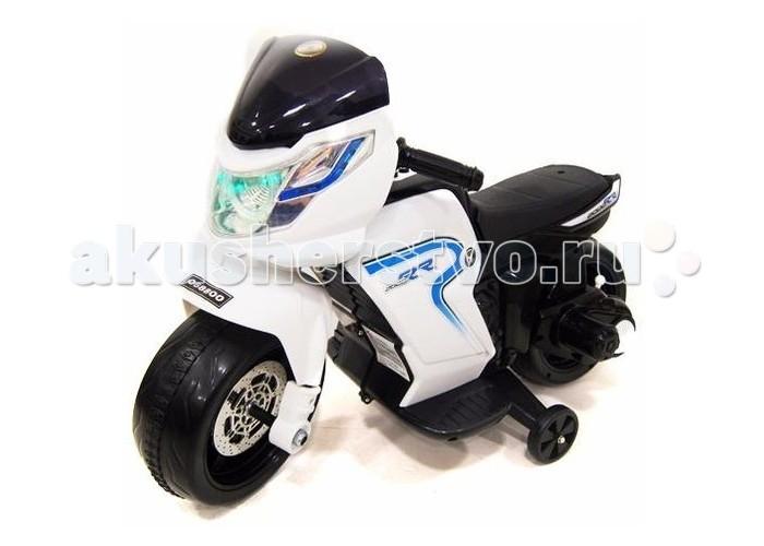 Электромобиль RiverToys Moto O888OOMoto O888OOЭлектромобиль RiverToys Moto O888OO непременно понравится юному байкеру.  Особенности: Световые и звуковые эффекты Движение от педали Колеса: пластиковые со вставкой, приставные колесики Скорость: скорость вперед, одна назад до 2 км/ч Максимальная нагрузка: 25 кг Аккумулятор:  6V/4.5А  Редуктор: 15W.<br>