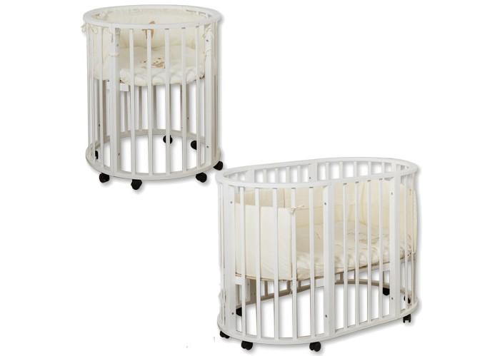 Кроватка-трансформер Roxie Incanto 3 в 1Incanto 3 в 1Кроватка-трансформер Roxie Incanto 3 в 1  Стильная и лаконичная кроватка Incanto 3 в 1 легко впишется в любой современный интерьер детской комнаты. Имеет округлую форму без острых выступов.  Это кроватка, которая растет вместе с вашим малышом, постоянно трансформируется с момента рождения до дошкольного возраста. При необходимости трансформируется в манеж для игры и сна.  Когда ребенок совсем маленький (до 6 месяцев), она послужит ему уютной колыбелькой. Колесики обеспечивают мобильность колыбели, при необходимости их можно зафиксировать с помощью стопоров.  Позднее колыбель трансформируется в кроватку с тремя уровнями ложа. Благодаря перфорации дна обеспечивается оптимальная вентиляция. Круглые стойки позволяют малышу легко хвататься и удобнее вставать на ножки.  Когда малыш научится самостоятельно забираться в кроватку, часть бокового ограждения можно снять и использовать как диванчик. Установив дно кроватки в самое нижнее положение, можно сделать мобильный глубокий манеж. В таком варианте рейки защищают на высоту 60 см.  Люлька размером 75х75 см с рейками на безопасном расстоянии. Кроватка размером 125х75х100 см.<br>