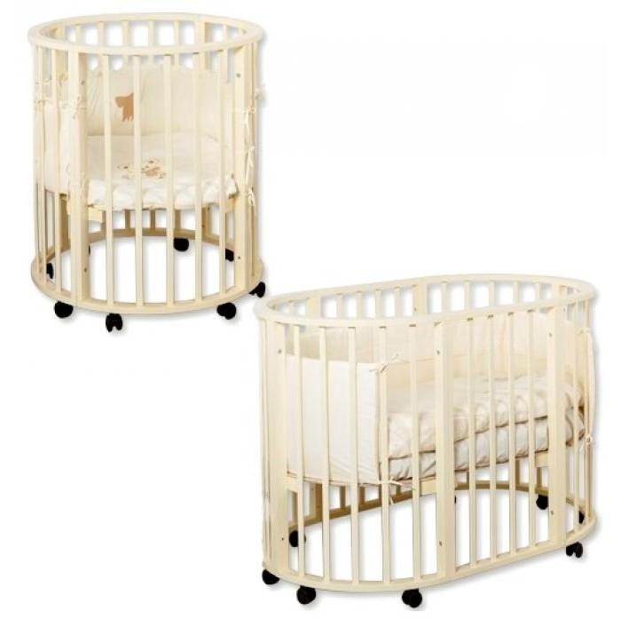 Кроватка-трансформер Roxie Incanto Mimi 7 в 1Incanto Mimi 7 в 1Кроватка-трансформер Roxie Incanto Mimi 7 в 1 находится на пике популярности и по праву считается самым достойным  выбором, так как приобретается не на один год. Благодаря круглой форме,  колесикам и легкой, но прочной древесине, из которой изготовлена кроватка, мама может делать перестановку самостоятельно хоть каждый день.  Такая модель кроватки  считается наиболее безопасной – у нее отсутствуют острые углы, что сводит к минимуму риск травм при случайном падении малыша,  даже если он будет крутиться во сне. Помимо такого современного вида,  форма кроватки способствует более быстрому развитию ребенка, так как в ней открывается обзор на 360 градусов.  Доказано, что малыши, которые были окружены яркими  разнообразными декорациями в интерьере, развиваются гораздо быстрее.  По мере того, как Ваш малыш растет, вместе с ним растет и кроватка! Через время люлька для новорожденного легко превратится в кроватку-манеж, а затем и в детский гарнитур из двух стульчиков и столика. Изготовлена  кроватка - транформер  Incanto Mimi 7 в 1 из комбинированной березы и МДФ, покрыта красками из натуральных компонентов  и гипоаллергенным лаком. В кроватке предусмотрена естественная вентиляция. Кроватка имеет 3 уровня дна и передвигается на 4 колесиках Также есть возможность добавить дополнительные функциональные элементы колыбели.  Варианты трансформации и их размеры: Люлька размером 75*75 с рейками на безопасном расстоянии. Кроватка  размером 125*75*100 см Манеж для игры и сна. Приставная кроватка-диванчик 125*75 см Пеленальный столик 75*50 см 2 стула Кроватка имеет 3 уровня дна и передвигается на 4 колесиках. Вес кровати 20 кг   Размер  матрасов в кроватку: 75 х 75 см 125 х 75 см<br>