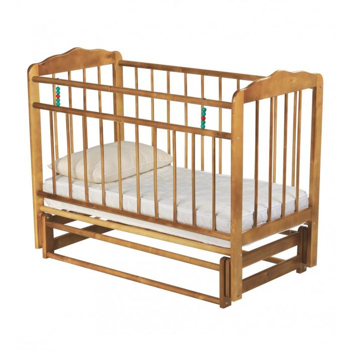 Детская кроватка Russia Женечка-5 поперечный маятникЖенечка-5 поперечный маятникДетская кроватка Russia Женечка-5 поперечный маятник  Все начинается с нее, с детской кроватки, человек и так много времени посвящает сну, а ребенок и того больше. Сон необходим малышу, чтобы отдохнуть, набраться сил и снова радовать родителей новыми детскими достижениями и улыбками. Поэтому очень важно, чтобы детская кроватка была комфортной и способствовала крепкому и здоровому сну Вашего ребенка.   Кроватки Женечка изготавливаются из древесины березы на импортном оборудовании. Преимуществом изделий фабрики являются прочность и долговечность, экологическая чистота и удивительное изящество, заложенное самой природой. Продукция фабрики пользуется неизменным успехом у потребителей и поэтому заслуженно награждена различными дипломами.  Особенности: маятниковый механизм поперечного качания опускаемая боковина ложе кроватки имеет два уровня крепления по высоте реечное основание кроватки отсутствие выступающих углов и неровностей, что обеспечивает безопасность для малыша классический дизайн материал – береза (обеспечивает высокую прочность и долговечность)<br>
