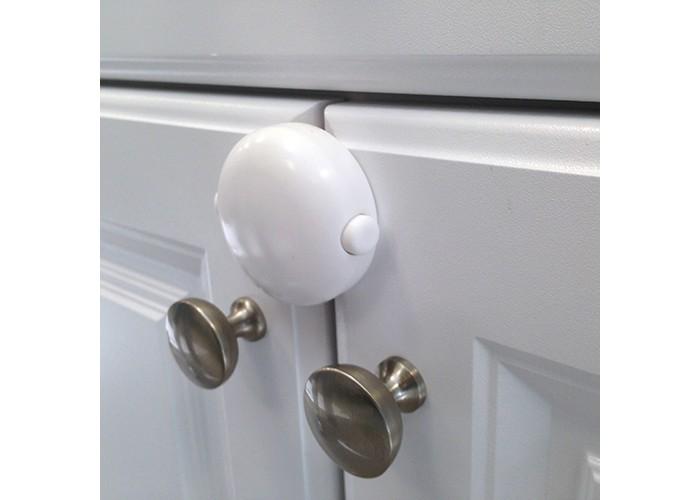 Safe&Care Блокировка открываюшихся двойных дверей 810