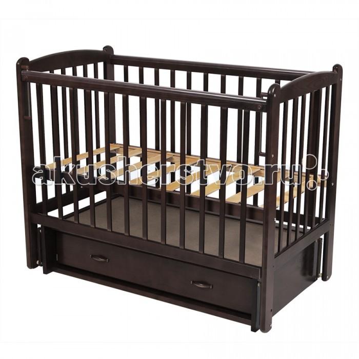 Детская кроватка Счастливый малыш Кроха-2 (поперечный маятник)Кроха-2 (поперечный маятник)Детская кроватка Счастливый малыш Кроха-2 (поперечный маятник) предназначена для новорожденных.   Особенности: Регулируемое основание кроватки – с двумя уровнями установки (которые возможно чередовать в зависимости от потребностей вашего ребенка). Поперечный маятниковый механизм качания, который можно фиксировать (приводить в движение, когда малыш засыпает и останавливать тогда, когда ребенку нужно спокойствие). Автостенка (механизм опускания передней стенки). Кроватка оснащена удобным выдвижным закрытым ящиком с двумя секциями, в котором можно хранить распашонки, памперсы, крема и салфетки, – есть пространство для постельного белья и небольшого матрасика. На боковых стенках расположены защитные боковые накладки из силикона – с ними ваш ребенок никогда не повредит свои зубки.<br>