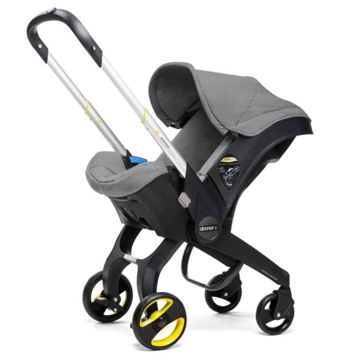 Автокресло SimpleParenting Doona Plus коляска 2 в 1Doona Plus коляска 2 в 1Автокресло SimpleParenting Doona Plus - автокресло группы 0+, было разработано, чтобы обеспечить родителям безопасное и практичное решение мобильности своего ребенка, как в автомобиле, так и за его пределами. Doona - это инновация, оно является первым в мире автокреслом для младенцев с полноценным и полностью интегрированным мобильным решением. Носить автокресло больше не надо Управляется одним легким движением Высочайшие стандарты качества и безопасности Освобождает место в багажнике вашего автомобиля Сертификаты ЕС и США  Doona было протестировано в соответствии со строгими европейскими и американскими стандартами для автокресел и прогулочных колясок. Это единственный продукт, который одновременно отвечает требованиям по качеству и безопасности всех следующих стандартов: ECE R44, EN1888, FMVSS213, ASTM F833. Doona прошла строгий тест по автомобильной безопасности ADAC с общим результатом «Хорошо» (+). DoonaTM является идеальным решением для путешествий по воздуху и было сертифицировано властями США и Европы для авиаперелетов.   В отличие от типичных автомобильных сидений, уникальная конструкция Doona позволяет расположить ручку, уперев ее в спинку сидения автомобиля, обеспечивая тем самым для ребенка защиту от рикошета. В случае столкновения противорикошетная ручка будет поглощать удар и не позволит Doona ™ быстро вращаться в направлении спинки сидения, таким образом, значительно снижая риск травмы из-за рикошета.  Две из наиболее распространенных причин травм, связанных с автокреслами и колясками – это неправильное использование и неправильная установка. Имея это в виду, дизайнеры и инженеры Doona™ разработали многочисленные безопасные механизмы, предотвращающие неправильное использование и обеспечивающие безопасную эксплуатацию. Среди прочего, эти механизмы предотвращают следующее: Непреднамеренное складывание Doona Внезапное выдвигание ручки Doona в режиме переноски Вращение выдвинутой р