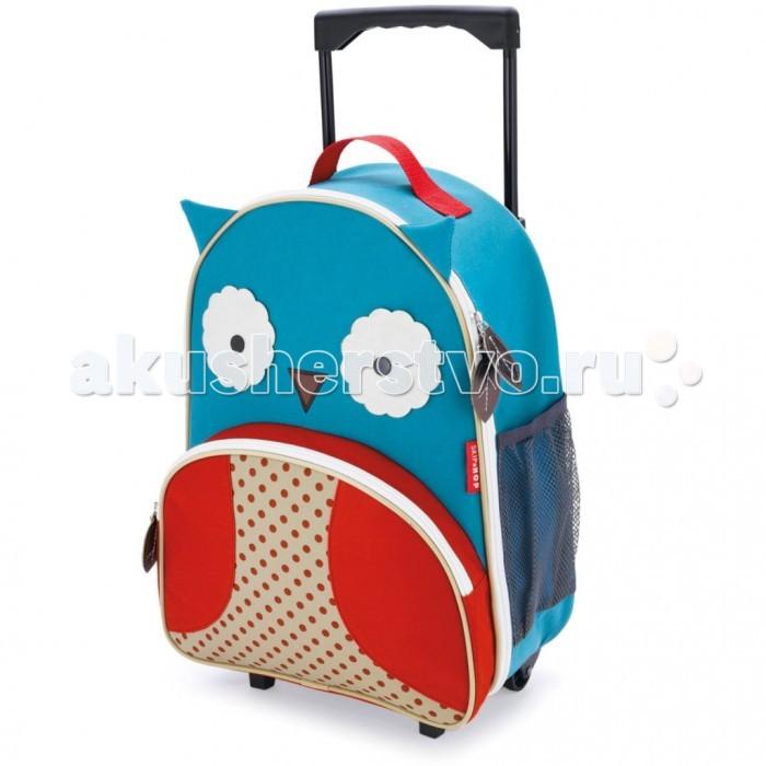 Skip-Hop Детский дорожный чемодан Zoo LuggageДетский дорожный чемодан Zoo LuggageДетский дорожный чемодан Skip-Hop Zoo Luggage для путешествий.  Яркие расцветки, дизайн в виде лесных персонажей, безвредные для ребенка  материалы и удобные кармашки понравятся не только детишкам, но и их родителям.  Ребенок может взять с собой в дорогу любимые игрушки и необходимые  вещи.  Особенности Skip-Hop Zoo Luggage:  Вместительный основной отсек  Выдвижная ручка  Чемодан на колесиках  Боковой кармашек для бутылочки  Передний кармашек на молнии  Съемный регулируемый плечевой ремень для родителей  Прочная, износостойкая ткань  Легко очищается и стирается  Не содержат BPA (Бисфенол А), Phthalate (Фталат)   Возраст: от 3 лет   Размеры:  Чемодана (вхдхш): 40 х 30 х 14 см  Длина родительского ремня: 38 см  Ручка выдвигается вверх: 33 см   Вес: 0.98 кг<br>