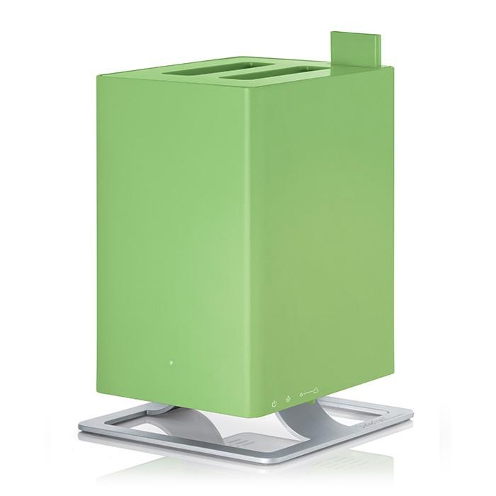 Stadler Form Увлажнитель воздуха AntonУвлажнитель воздуха AntonStadler Form Увлажнитель воздуха Anton – это уникальный ультразвуковой увлажнитель воздуха с функцией ароматизации. Его уникальность заключается в технологии ароматизации: благодаря специальной долговечной мембране ароматическое масло можно добавлять непосредственно в резервуар с водой, а не в отдельный отсек как у большинства увлажнителей. Таким образом, во время использования прибора, испаряется уже ароматизированная вода. Anton умеет создавать нужную атмосферу для любого случая!  Комфортной совместной жизни с Anton-ом способствует также его компактность, благодаря которой Вы без труда найдете ему место в интерьере Вашего дома. Также несомненным преимуществом Anton-а является то, что он не будет усложнять Вашу жизнь: эксплуатировать по прямому назначению его предельно просто. Механическое управление не заставит Вас ломать голову и тратить время на рутинное чтение инструкций. Оптимальный размер бака для воды – 2,5 л, при этом в случае отсутствия воды прибор автоматически выключится. Также Anton не побеспокоит ваш сон ночью, на это время предусмотрен специальный режим, при использовании которого приглушается голубая фирменная подсветка.  Оборудованный бактерицидным картриджем Ionic Silver Cube, этот увлажнитель делает воздух в помещении не только оптимально влажным, но и гарантирует безопасность испаряемой воды для здоровья. Это достигается путем непосредственного соприкосновения картриджа с водой, который тем самым распространяет ионы серебра, известные своим антибактерицидным эффектом. Как результат, даже если Вы не пользуетесь увлажнителем ежедневно, вода в нем остается свежей и обеззараженной.  Особенности: Подходит для комнат до 25/63 м &#179; Бактерицидный картридж Silver Cube Картридж против накипи AntiCalc Автоматическое отключение при окончании воды Индикация уровня воды с подсветкой Скорость работы: вариативная Расход воды: до 170 мл/ч Ароматизация Ночной режим Долив воды во время работы Потреб
