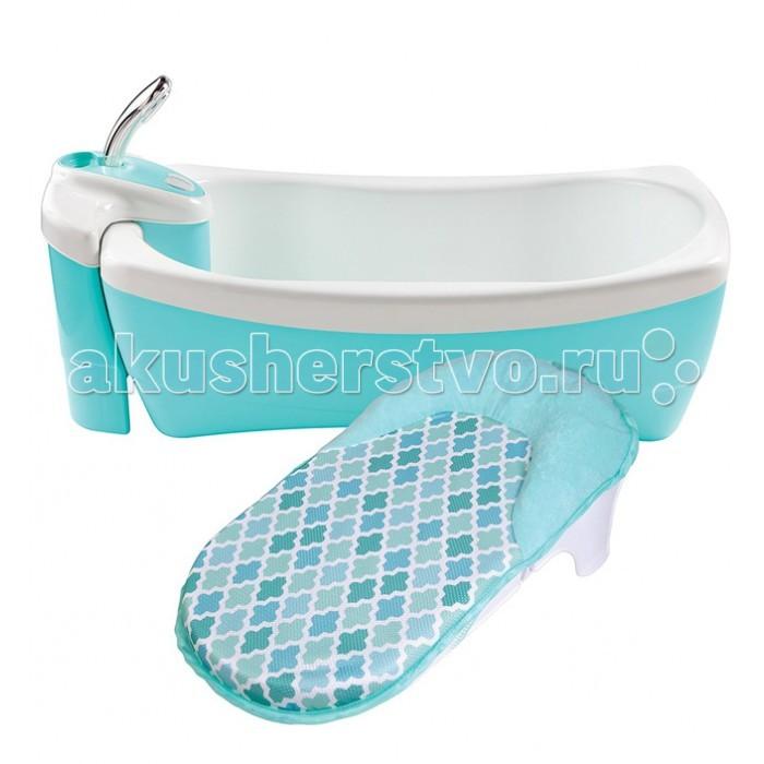 Summer Infant Детская ванна-джакузи с душем Lil' LuxuriesДетская ванна-джакузи с душем Lil' LuxuriesДетская ванна-джакузи с душем Lil' Luxuries Настоящая SPA-процедура для Вашего малыша в домашних условиях!   Оснащена специальным моторчиком для создания пузырей и легких вибраций воды. Генератор пузырей работает от батареек (в комплект не входят). Съемный блок с душем. Эргономичную никелированную душевую ручку легко держать; подача воды осуществляется всего одним простым нажатием на кнопку включения / выключения. Легкие струи воды позволят без труда и лишних слез вымыть голову малыша. Душевой блок может использоваться в дальнейшем в обычной ванне.  Гидромассаж отлично расслабляет и после такой ванны Ваш малыш уснет сладким снов. Двойные стенки долго поддерживают температуру воды. Эргономичная никелевая душевая ручка. Ванна снабжена дополнительной вставкой-лежаком с подголовником (для новорожденных), подголовник покрыт мягкой тканью для еще большего комфорта малыша.  Максимальная нагрузка: 43,5 кг Внешние размеры: 25 х 46 х 73 см Внутренние размеры: 15 х 33 х 60 см  Вес: 5,8 кг<br>