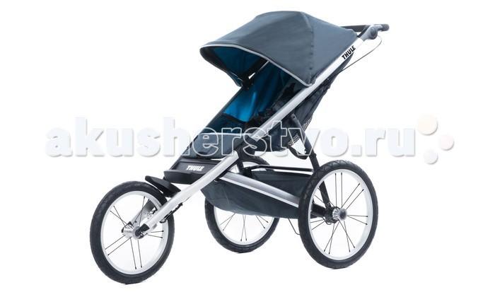 Прогулочная коляска Thule GlideGlideПрогулочная коляска Thule Glide — многофункциональная детская спортивная коляска с легким аэродинамическим дизайном, позволяющая получить максимум от занятий бегом в любой местности.  Сидение: Для детей от полугода Мягкое сидение с вентилируемым верхним слоем откидывается практически в горизонтальное положение, чтобы ребенок мог спать во время езды Наклон спинки регулируется при помощи системы ремешков Капюшон с несколькими вариантами положений для дополнительной защиты и окошком, чтобы вы могли видеть своего ребенка Пятиточечные детские ремни безопасности Просторное и широкое сидение Сидение нереверсивное (только лицом к окружающему миру) Сидение несъемное.  Шасси: Компактно складывается одной рукой для простоты хранения и транспортировки Эргономичная ручка с регулируемой высотой для удобства родителей Надувные колеса Задняя подвеска для мягкой и ровной езды Неповоротное переднее колесо Ручной стояночный тормоз Задние колеса большего диаметра.  Размеры и вес: Вес: 9.9 кг Размеры в сложенном виде (дхшхв): 35x53x87.5 см Максимальная ширина: 65 см Ширина плеча: 34 см Высота посадки: 53 см Грузоподъемность: 34 кг.<br>