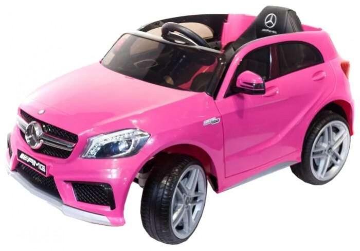 Электромобиль Toyland Mercedes-Benz A45Mercedes-Benz A45Toyland Mercedes-Benz A45 для детей от 1 года до 8 лет.  большие полностью резиновые колеса EVA, максимальная нагрузка 35 кг. аккумулятор 12V/7Ah, два двигателя: 2x35W, привод на два задних колеса. амортизаторы на передних и задних колесах для плавности хода. максимальная скорость 7 км/ч, 2 скорости вперед (переключение скоростей - с пульта ДУ) или плавный набор скорости с помощью педали, одна скорость движения назад .                                                                             заводится с кнопки, открывающиеся двери, кожаное сиденье с ремнем безопасности. удобный руль с музыкальными эффектами (кнопка клаксона и проигрывания мелодий). разъем для подключения MP3, вход для карты SD, вход для USB. возможность перемещения по принципу чемодана - ручка под передним бампером для перевозки электромобиля.                                                                                                                                     светодиодные огни фар и задних сигналов. в комплекте: аккумулятор, зарядное устройство, Пульт дистанционного управления (работает по bluetooth, радиус действия до 30 метров). гарантия от производителя: 12 месяцев.<br>
