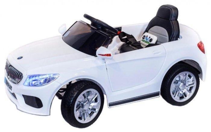 Электромобиль Toyland XMX 835XMX 835Toyland Электромобиль XMX 835  - этот стильный и модный автомобиль сможет стать верным другом вашего ребенка. Машина максимально приближена к реальной не только благодаря внешнему сходству, но и непревзойденному качеству. Все элементы тщательно подобраны и проработаны, кроме того, большое внимание было уделено внешнему покрытию.  Особенности: полностью резиновые колеса EVA максимальная нагрузка 30 кг 2 аккумулятора 6V/4,5Ah, два двигателя: 2x35W, привод на два задних колеса амортизаторы на передних и задних колесах для плавности хода максимальная скорость 7 км/ч, 2 скорости вперед, одна скорость движения назад (переключение скоростей - с пульта ДУ или плавный набор скорости с помощью педали) заводится с ключа открываются двери, багажник (место хранения), кожаное сиденье с ремнем безопасности удобный руль с музыкальными эффектами (кнопка клаксона и проигрывания мелодий) разъем для подключения MP3, вход для карты SD, вход для USB,  светодиодные огни фар и задних сигналов Объем: 0,2 м3 В комплекте:  аккумулятор зарядное устройство пульт дистанционного управления (работает по bluetooth, радиус действия до 30 метров)<br>