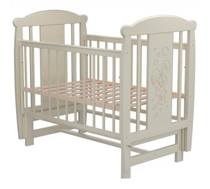 Детская кроватка Valle Bunny 04 маятник поперечныйBunny 04 маятник поперечныйДетская кроватка Valle Bunny 02 колесо-качалка предназначена для новорожденных детей и используется до 4-5 лет.   Изготовлена на современном оборудовании из натурального экологически чистого массива березы, что обеспечивает прочность и долговечность. Высокое качество отделки. Для окраски применяются лаки, не содержащие вредных для здоровья ребенка веществ. Украшает кроватку декоративная резьба спинки.  Особенности: Материал: целиковая древесина березы, декоративная вставка МДФ  Основание реечное регулируется по высоте Реечные панели по бокам не препятствуют естественной вентиляции Размер спального места стандартный 120х60, что позволяет легко подбирать постельное белье и матрасы для ребенка Кровать оснащена маятниковым механизмом поперечного качания Фиксатор маятника Передняя стенка опускаемая Отсутствие выступающих углов и неровностей, что обеспечивает безопасность для малыша На спинке кроватки очаровательная резьба - зайка<br>
