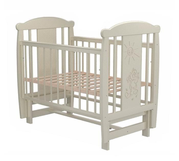 Детская кроватка Valle Cat 05 маятник продольныйCat 05 маятник продольныйДетская кроватка Valle Cat 05 маятник продольный предназначена для новорожденных детей и используется до 4-5 лет.   Изготовлена на современном оборудовании из натурального экологически чистого массива березы, что обеспечивает прочность и долговечность. Высокое качество отделки. Для окраски применяются лаки, не содержащие вредных для здоровья ребенка веществ. Украшает кроватку декоративная резьба спинки.  Особенности: Материал: целиковая древесина березы, декоративная вставка МДФ  Основание реечное регулируется по высоте Реечные панели по бокам не препятствуют естественной вентиляции Размер спального места стандартный 120х60, что позволяет легко подбирать постельное белье и матрасы для ребенка Кровать оснащена маятниковым механизмом продольного качания Фиксатор маятника Передняя стенка опускаемая Отсутствие выступающих углов и неровностей, что обеспечивает безопасность для малыша На спинке кроватки очаровательная резьба - котик<br>