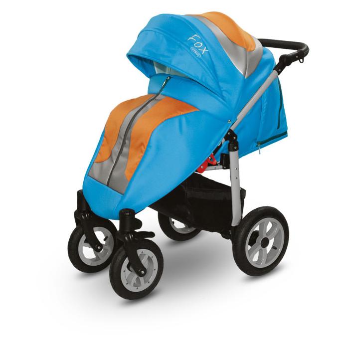 Прогулочная коляска Verdi FoxFoxПрогулочная коляска Verdi Fox – исключительно поворотливая, легкая коляска. Вездеходная прогулочная коляска с просторным спальным местом и большими надувными колесами, отличный вариант для русской зимы.  Пневматические колеса в совокупности с амортизацией гарантируют мягкий плавный ход во время прогулки. Спинка регулируется и имеет несколько позиций для комфортного сна ребенка. Verdi Fox оснащена регулируемой ручкой с приятным покрытием. Капюшон опускается низко и прекрасно защищает ребенка от ветра, солнца и непогоды, имеет встроенное окошко. Бампер и ремни безопасности оградят ребенка от выпадения из сиденья.  Особенности: Конструкция коляски выполнена из алюминия Компактный размер после сложения Передние самоустановочные колеса с возможностью блокировки для движения в прямом направлении Центральный тормоз Регулировка стойкости подвески Ручка обшита экологической кожей. Регулируемая высота ручки 5-точечные ремни безопасности 4-ступенчатая регулировка поддержки, вплоть до лежащей позиции Защитная перегородка, обшитая экологической кожей Выставляемая защитная перегородка Регулирование высоты подножки Подножка, обшитая экокожей Регулирование высоты подножки Выставляемая защитная перегородка Многоступенчатая регулировка козырька, двухсекционный солнцезащитный навес. Вентиляционное окошко со встроенной москитной сеткой Окошко с плёнкой Дополнительный отеплительный матрасик Чехол для ножек Пленка для защиты от дождя Ёмкая корзина для покупок Держатель для бутылки.<br>