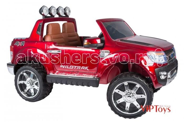Электромобиль Vip Toys Ford RangeerFord RangeerДвухскоростной джип с пультом радиоуправлени дл двоих детей. Все так реалистично выполнено: ветровое оргстекло, боковые зеркала, задний выдащийс сполер с мощными прожекторами, готовые освещать путь по жесткому бездорожь, руль, диски, хромированна отделка, решетка радиатора, неонова подсветка, реалистична приборна панель в салоне- все повторет настощий автомобиль.  Двери открыватс как у настощей машины - нужно только подойти и нажать на ручку двери. Открываетс капот впереди машины. Большие размеры автомобил и два посадочных места позволт Вашему ребенку приглашать в поездку своих друзей. Благодар встроенному FM- радио с авто-настройкой, MP3, с лбимой музыкой Вам не придетс скучать в дороге и катание превратитс в веселу вечеринку. Электромобилем можно управлть при помощи Bluetooth пульта дистанционного управлени на расстонии до 25 метров.  Покраска кузова защищена слоем лака, что придает блестщий вид или ффект металлика.Ремни безопасности сделат то катание максимально безопасным. Электромобиль оборудован амортизаторами на колесах, что позволить плавно преодолевать лбые неровности дорог, можно подниматьс по горным дорожкам, ездить по грави и камнм, не ботьс м и кочек.Все очень реалистично в том автомобиле- хромированные диски, хромированный логотип на капоте, хромированна отделка с тиснением на порогах. Оборудовано кнопкой Низка скорость/ Высока скорость, котора используетс дл изменени скорости движени транспортного средства на  3 км/ч и 7 км/ч.  Этот автомобиль оснащен разъемом дл USB, а также слот дл вставки SD карту. Обе функции позволт добавлть сво собственну музыку прмо в машине. Ford Ranger также имеет радиостанци FM. Регулирование громкости осуществлетс с помощь кнопки на приборной панели. Вождение лектромобил обострет ум ребенка, заставлет анализировать действи, которые требут внимани, ответственности, собранности и серьезности. Помогат обучитьс управлени транспортным средством, правилам дорожного движени. Потому чт