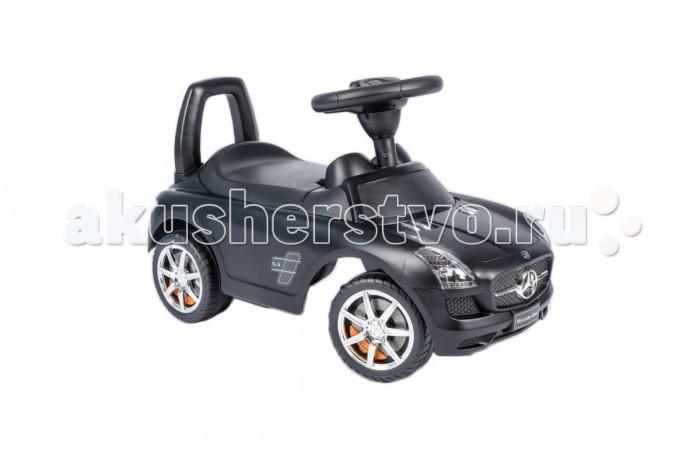 Каталка Vip Toys Mercedes-Benz 332Mercedes-Benz 332Яркая качественная каталка сделана в стиле авто с музыкальным рулем. Удобный широкий спойлер-спинка. Вращаемый руль регулирует направление движения машинки поворотом передних колес. Удобное эргономичное сидение.   Под сидением вместительный багажник для любимых игрушек, которые можно взять с собой на прогулку. Стиль и дизайн гоночной техники придаст игре реальности и добавит незабываемых впечатлений от игры и езды! Максимальная нагрузка- 23 кг. Рекомендуется для детей от 12 месяцев.  Варианты использования: Ходунки. Для самых маленьких, которые только учатся ходить, машинка - незаменимое средство-помощник. Ребенок учится ходить и толкает машинку перед собой, опираясь на спинку каталки. Эта же спинка является опорой, если ребенок сидит на каталке. Каталка. Когда малыш подрастет, он садится на машину и едет самостоятельно, отталкиваясь ножками.  Машинка отлично подойдет для игр дома и на улице. Теперь катание малыша станет неповторимым увлекательным путешествием!  Размер машинки(дхшхв):  67.5х30х30.5 см  Вес: 2.93 кг<br>