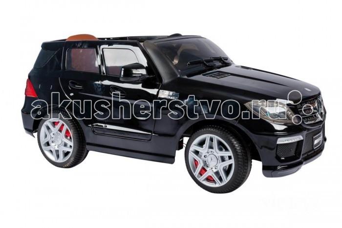 Электромобиль Vip Toys Mercedes DMD-168Mercedes DMD-168Это уменьшенная копия джипа ML63 AMG от компании Mercedes-Benz с фирменной атрибутикой, обеспечивающей 100% сходство с оригиналом, хромированными элементами экстерьера, комфортным мягким сидением на 1 водителя, резиновыми колесами, открывающимися дверьми и фарами с неоновой подсветкой.   Модель оснащена 12В аккумулятором, пультом управления, а запуск двигателя осуществляется при помощи ключа. Акустическая система, рассчитанная на подключение внешних MP3-устройств, играет достаточно громко, а сидение оснащено надежными ремнями безопасности с защелками.   Характеристики: материалы - высококачественный пластик, резина, металл возрастная группа: 3-8 лет максимально-допустимая нагрузка 35 кг количество посадочных мест: 1 напряжение 12В 2 двигателя по 45 Вт аккумулятор на 12В/7Ач время заряда батарей 10-12 ч. сидение: мягкое запуск: с ключа индивидуальный bluetooth пульт ДУ (2.4 ГГц) колеса: резиновые низкопрофильные открывающиеся двери светозвуковые эффекты (музыкальный руль, сигнал, свет фар) встроенные ремни безопасности количество скоростей (вперед/назад): 3/1 скорость движения, км/ч: 6-7 разъем для подключения mp3-устройств  Размеры машинки (дхшхв): 124х65х51 см Вес:  21 кг<br>