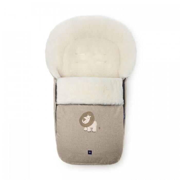 Зимний конверт Womar S77 Exclusive LionS77 Exclusive LionЗимний конверт Womar S77 Exclusive Lion модная и стильная защита от холода для вашего малыша.   Внутри конверта мягкий мех, изготовленный из овчины. Этот материал не вызывает аллергии и безопасен для нежной кожи малыша.  Верхняя часть непромокаемая, грязеотталкивающая и не продувается. Также ее можно отстегнуть. Сверху есть шнурок, который можно стянуть как капюшон. Конверт подходит к большинству колясок.   Стирать при температуре 30 градусов, не отжимать и не гладить. Есть отверстия для пятиточечного ремня безопасности.<br>