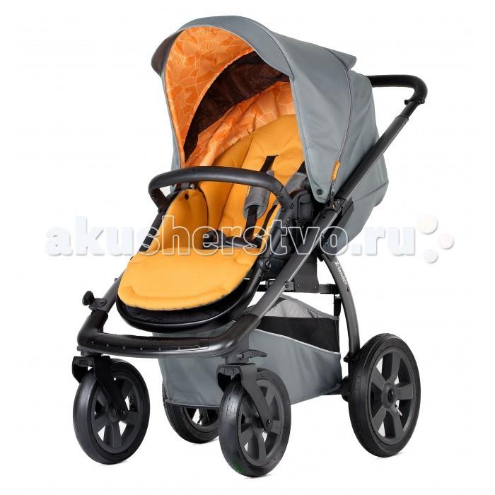 Прогулочная коляска X-Lander X-MoveX-MoveX-Lander X-Move — всесезонная прогулочная коляска-вездеход от известного производителя товаров для детей от 6 месяцев, выполнена из высококачественных товаров. Надежная и прочная рама на больших колесах обеспечивает отличную проходимость, коляска без труда преодолевает любые преграды на своем пути.   Прогулочный блок может устанавливаться в любом направлении относительно движения. Производители представили новую систему сложения коляски, которая реализуется путем нажатия двух педалей возле задних колес.   Новинкой является и размещенная светодиодная подсветка, расположенная на подножке коляски, что делает безопасными прогулки в ночное время.   Шасси: Одинарные съемные надувные колеса диаметром 26 и 30 см Фиксируемые поворотные передние колеса Различная ширина осей Возможность установки прогулочного блока по ходу и против хода движения Регулируемая по высоте ручка Пружинная система амортизации Светодиодная подсветка подножки коляски, работающая в двух режимах: постоянном и мигающем Хромированная алюминиевая рама черного цвета Замок, фиксирующий коляску в сложенном виде Устойчивость в вертикальном положении Вместительная тканная корзина для покупок Возможность установки на шасси люльки и автокресла 0+ Х-lander X-car, X-lander by BeSafe, Maxi Cosi (приобретаются отдельно)  Прогулочный блок: Регулируемая до полностью горизонтального положения спинка Регулируемая подножка 5-титочечные ремни безопасности с мягкими плечевыми накладками Съемная перекладина перед ребенком Большой регулируемый капюшон со смотровым окошком, опускающийся почти до бампера Мягкий подголовник и съемный мягкий вкладыш в сидение Съемные пригодные для стирки чехлы из ткани с водоотталкивающей пропиткой<br>