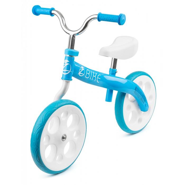 """Беговел Zycom ZbikeZbikeZycom Zbike (Зайком Зи-Байк) - это современный, эффектный беговел, спроектированный австралийской компанией Zycom Motion.  Современный дизайн и утонченный стиль.  Потясающая особенность беговела и его """"визитная карточка"""" - это расположенные как бы """"по диагонали"""" заднее и переднее колеса, уравновешивающие друг друга и сохранющие прямую ось. Это эффектное, стильное и при этом удобное решение.  Рама имеет свежую, оригинальную форму, органично дополняющую красоту и замысел беговела. А несколько комбинированных, ярких расцветок позволят выбрать цветовое решение по душе.  Уникальный дизайн колес.  Колеса беговела имеют классический радиус 12' дюймов, резиновый протектор с невероятными по внешнему виду цветными пластмассовыми дисками, напоминающими литые.  Также необычным является то, что и сами покрышки у беговела цветные. Это очень необычно и добавлет свежести и яркости, выделяя Зи-байк среди многих других.   Но это еще не все: данный беговел имеет резиновую бескамерную покрышку, что является инновацией на рынке (обычно в продаже колеса-ПВХ или надувные камерные колеса). Ее плюсами являются плавность хода, отличное сцепление, отсутствие необходимости периодически подкачивать колеса. Также такие колеса не проколются и очень долговечны в эксплуатации.  Безопасность.  Для избежания случайного резкого поворота руля (более чем 90 градусов) у беговела предусмотрен специальный стоппер-предохранитель.  Максимальная нагрузка беговела также впечатляет и составляет 65 кг. Зи-Байк уж точно не подведет во время прогулки и доставит до места назначения.  Руль имеет удобную велосипедную форму, благодаря чему можно балансировать с прямой спиной и непринужденно управлять транспортным средством.   Сиденье регулируется по высоте.  Сиденье может быть отрегулировано под катающегося ребенка по высоте в 3 положениях. Оно мягкое и эргономичное.   Характеристики:  Макс.нагрузка, кг: 65 Длина товара, см: 80 Высота товара, см: 61 Возраст до: 7 Тип колес:  Пластмасса с прорез"""
